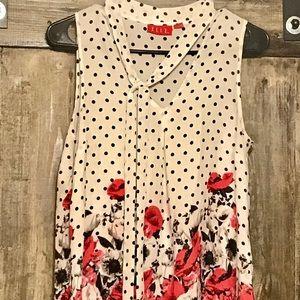💋👠Women's ELLE v neck blouse size S👠💋